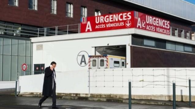 Das Krankenhaus in Rennes: Pharmokologen fordern, aus der fatalen Studie, in deren Folge ein Proband starb, deutliche Lehren zu ziehen. (Foto: dpa)
