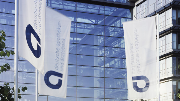 Apobank will Ärzte und Apotheker weitreichender unterstützen