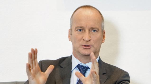 ABDA-Präsident Friedemann Schmidt ruft die Apotheker zur Europawahl auf, gleichzeitig kritisiert er jedoch die Vorgehensweisen einiger europäischer Institutionen in Sachen Freie Berufe. (Foto: Külker)