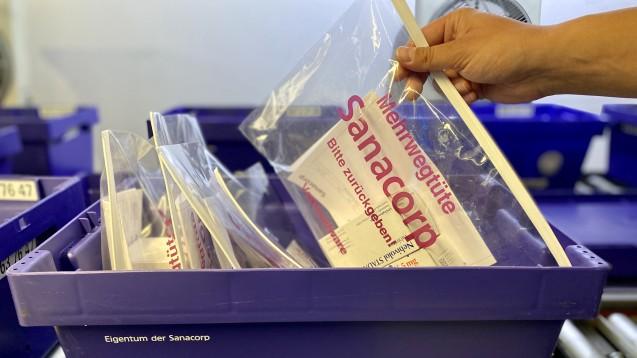 Mit Mehrwegverpackungen möchte Sanacorp künftig nachhaltig Plastiktüten einsparen. (c / Foto: Sanacorp)