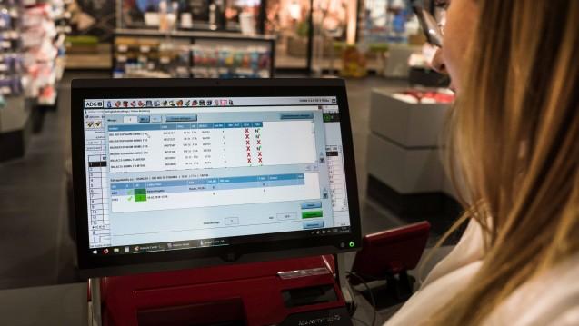 Tägliches Geschäft für Apotheker: Immer häufiger sind Arzneimittel nicht lieferbar. Auf dem Deutschen Apothekertag soll in diesem jahr über Konsequenzen gesprochen werden. (Foto: imago images / Steinert)