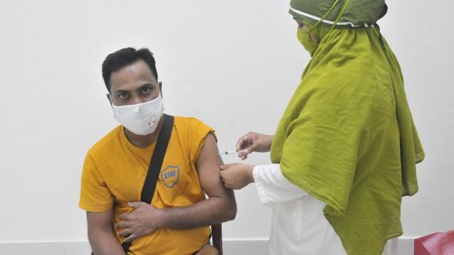 Die Impfstoffe werden von AstraZeneca-SKBio (Republik Korea) und dem Serum Institute of India hergestellt. (Foto: IMAGO / ZUMA Wire)