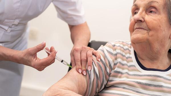 Engpass bei Grippe-Impfstoffen in Arztpraxen – Politik mischt sich ein