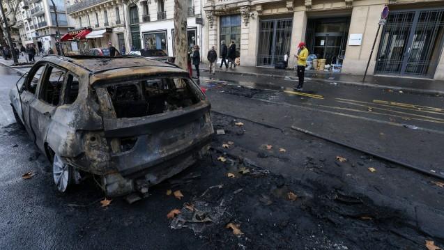 In Frankreich protestieren seit Wochen die sogenannten Gelbwesten. Auch Apotheken wurden zerstört. (Foto: Imago)
