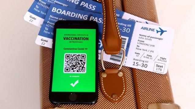 """Das EU-Parlament hat für die Einführung eines """"grünen Zertifikats"""" als Nachweis für eine erfolgte Impfung gegen COVID-19 gestimmt. (Foto: IMAGO / MiS)"""