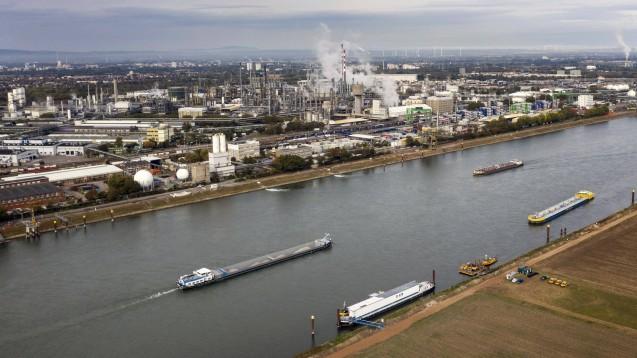 Luftbild des BASF-Werks in Ludwigshafen mit Sitz am Rhein. (Foto: imago images / Jochen Eckel)