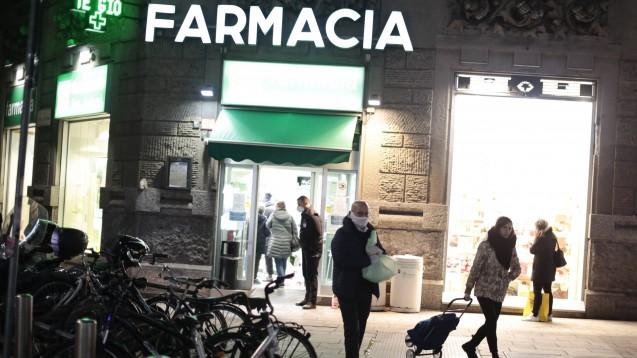 Italien schließt alle Geschäfte und Restaurants wegen Covid-19
