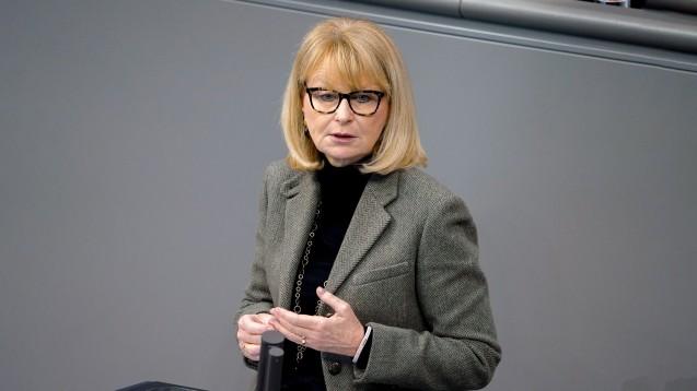 Karin Maag, gesundheitspolitische Sprecherin der Unionsfraktion im Bundestag, konnte sich vor einem Jahr noch nicht vorstellen, dass die Pandemieregelung auch heute noch nötig sind. (Foto: IMAGO / Political-Moments)