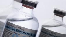Kann eine Jumbopackung Infusionslösungen zu Lasten einer BG verschrieben werden?. (c / Foto: florianschiller                                          /stock.adobe.com)