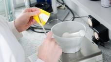 Keine Rezepturen von EU-Versendern? Die Apothekerkammer Westfalen-Lippe hat sich beim Gesundheitsministerium darüber beschwert, dass Holland-Versender Rezepturen verweigern. Das Ministerium kann aber nichts machen. (Foto: Gerhard Seyberdt)