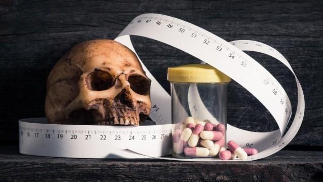 Die britische Royal Pharmaceutical Society (RPS) warnt im Pharmaceutical Journal eindringlich vor den möglicherweise tödlichen Gefahren durch Schlankheitspillen mit der Substanz 2,4-Dinitrophenol (DNP). (c/Foto:reshoot/stock.adobe.com)