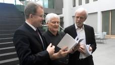 TK-Chef Jens Baas, Gerd Glaeske und Wolf-Dieter Ludwig stellten am heutigen Mittwoch den TK-Innovationsreport 2018 vor. (Foto: TK)