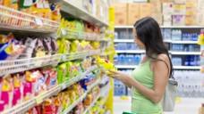 Nicht nur der Inhalt, auch die Verpackung von Lebensmitteln kann kritisch sein. (Foto: Niki Love/Fotoia)