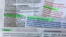 Nicht nur beim Essen: Auch bei Arzneimitteln heißt es für alle, die auf tierische Inhaltsstoffe verzichten wollen, genau hinschauen. In der Maxmo-Apotheke in Düsseldorf wird zu möglichen Alternativen beraten. (Foto: DAZ.online)