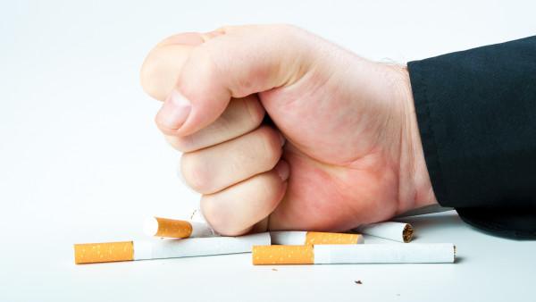 Fast jeder zweite Raucher will aufhören