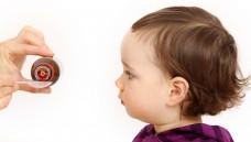 Bei Kinderarzneimitteln gibt es oft viel Spielraum in der Angabe der Dosis. (Foto: athomass / Fotolia)
