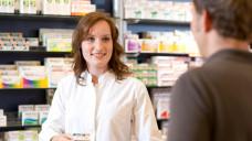 OTC-Beratung in der Apotheke sollte patientenindividuell erfolgen – die Evidenzlage ist dabei eins, aber nicht zwingend das einzige Kriterium. (Foto: Schelbert)