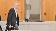 Der angeklagte Zyto-Apotheker Peter S. soll nach den Vorstellungen der Staatsanwaltschaft 13,5 Jahre ins Gefängnis, die Verteidigung fordert einen Freispruch – auch weil der Apotheker vorverurteilt worden sei. ( r / Foto: hfd)