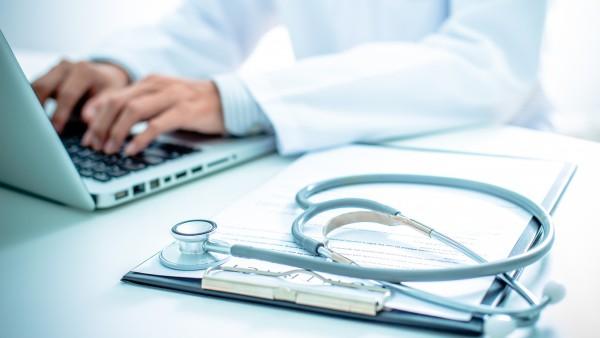 GKV-Spitzenverband: Arztsoftware ist Schuld
