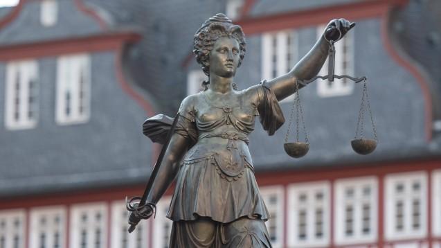 Das Landgericht Frankfurt hat einen Apotheker wegen Abrechnungsbetrugs verurteilt. (Foto: IMAGO / Jan Huebner)