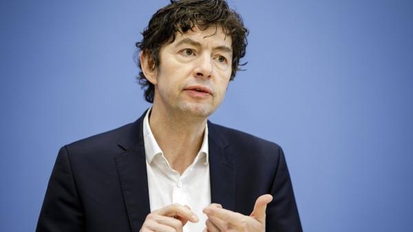 Drosten erklärt die vergleichsweise wenigen Todesfälle in Deutschland