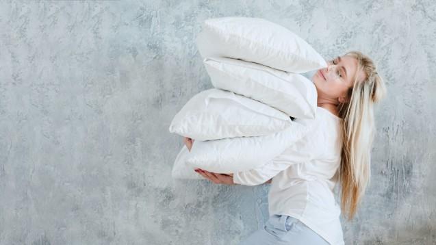Solriamfetol soll Patienten mit ausgeprägter Tagesmüdigkeit, die im Zusammenhang mit Narkolepsie oder Schlafapnoe auftritt, helfen. In den USA gibt es Sunosi bereits, nun hat auch die EMA die Zulassung empfohlen. (Foto: golubovy / stock.adobe.com)
