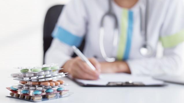 Zu wenig erklärt: Einer Umfrage zufolge sind viele Patienten nicht damit zufrieden, wie Ärzte mit der Arzneimittel-Beratung umgehen. (Foto: Kaspar Grinsvalds / Fotolia)