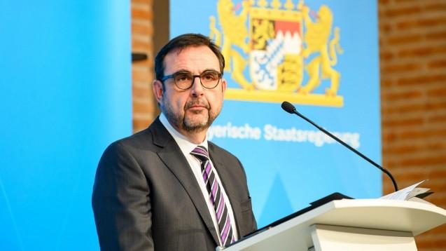 Will das Auseinzeln von Selbsttests auf SARS-CoV-2 in den Apotheken dulden: Bayerns Gesundheitsminister Klaus Holetschek. (Foto: IMAGO / Bayerische Staatskanzlei)