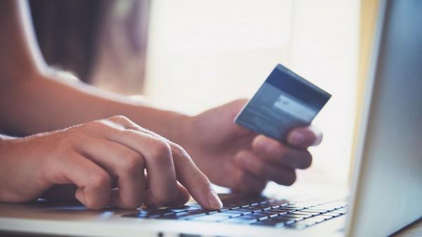 Kreditkartengebühren für Kunden werden abgeschafft