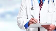 Fehlerhafte Rezepte: Die ABDA will mit einem neuen Juristen darauf einwirken, dass Klinikärzte möglichst fehlerfrei verschreiben, um somit Klinik-Retax in der Apotheke auszuschließen. (Foto: Fotolia/Panho Kurhan)