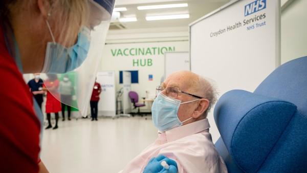 """Britische Behörden: Keine Corona-Impfung für Leute mit """"signifikanten"""" Allergien"""
