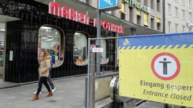 Die Marien-Apotheke am Sendlinger Torist durch die Baustelle fast abgeschnitten. (Foto: Marien Apotheke)