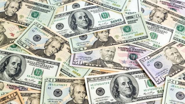5,2 Milliarden Dollar steckten US-Pharnakonzerne 2015 in Werbung. (Foto: Gina Sanders / Fotolia)