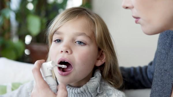 Halsschmerzmittel für Kinder: nur mangelhaft und ungenügend?