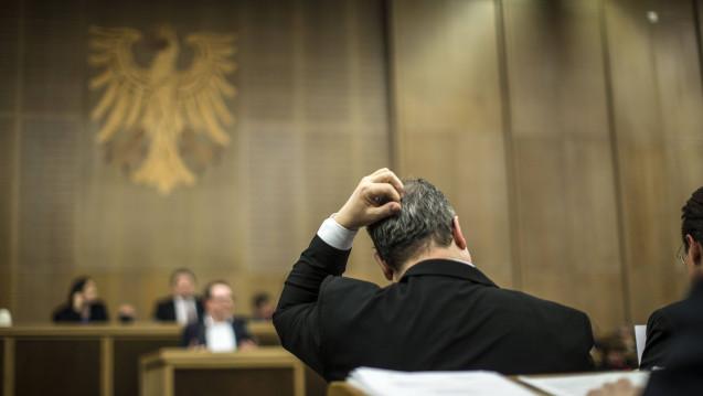 Ratlose Politiker im Frankfurter Römer: Die Stadtverordnetenversammlung kann sich nicht auf ein gemeinsames Vorgehen in Sachen Mohren-Apotheken einigen. (Foto: Imago)