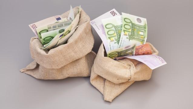 Die Sparsäcke der Krankenkassen sind gut gefüllt. (m / Foto: yurchello108 / stock.adbobe.com)