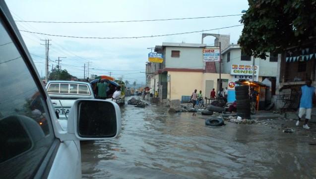 Schwieriges Einsatzgebiet: Nach Überflutungen durch den Hurrikan Matthew ist Apotheker ohne Grenzen auf Hilfsmission in Haiti. (Foto: AoG)