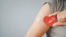 Noch 2019 lag die Impfbereitschaft bei den Älteren 10 Prozentpunkte niedriger. (Foto: ratana_k / AdobeStock)