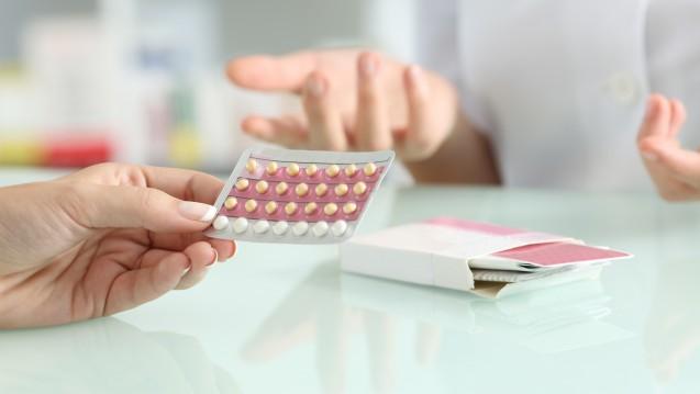 Es gibt eine vom BfArM herausgegebene Checkliste, die Ärzte bei der Verschreibung kombinierter hormonaler Kontrazeptiva beachten sollten. ( j/ Foto:Antonioguillem / stock.adobe.com)