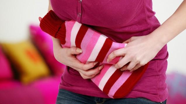 Frauen, die häufiger von unkomplizierten Blasenentzündungen betroffen sind, fragen oft nach einer Rezidivprophylaxe. (Foto: absolutimages / stock.adobe.com)