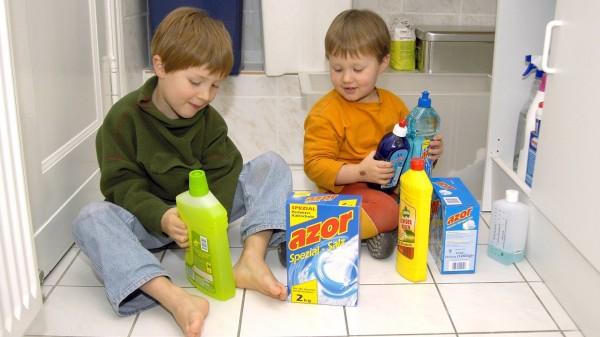 Mehr Anrufe beim Giftnotruf wegen Desinfektionsmitteln