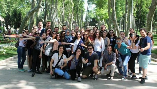 Vor einigen Wochen schien noch alles gut zu sein: Die Freiburger Studenten mit ihren Kommilitonen in Istanbul.(Foto: Gabriel Zea)