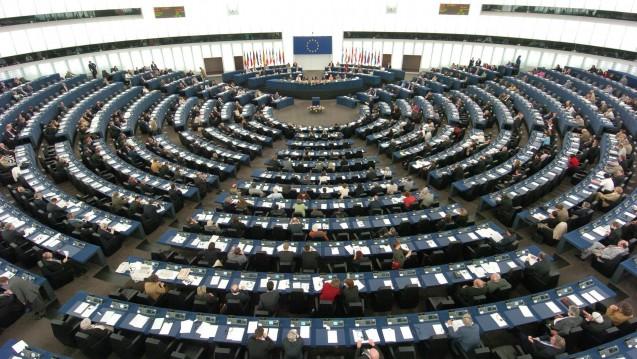 Das EU-Parlament will das Pestizid Glyphosat schrittweise und Legal Highs schneller verbieten. (Foto: dpa)