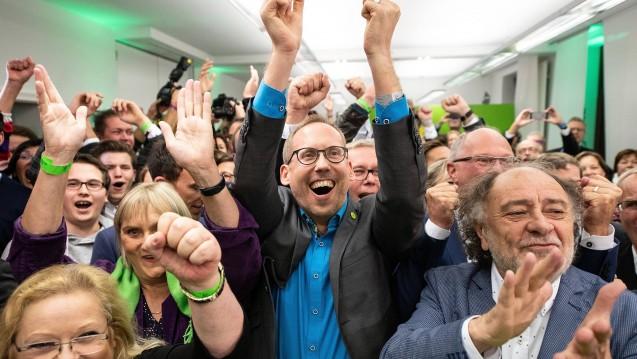 Hessens Grünen-Chef Kai Klose (hier in der Mitte) soll neuer Minister für Soziales, Integration, Gesundheit, Familie und Arbeit werden. (m / Foto: imago)