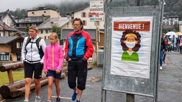 Wer in der Coronakrise verreist, sollte sich über die jeweiligen Regeln im Ausland informieren. (Foto: imago images / ZUMA Wire)