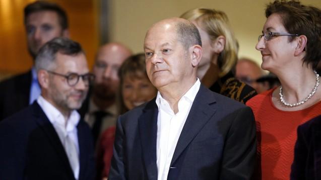 Bundesfinanzminister Olaf Scholz und Klara Geywitz (re.) haben bei der Direktwahl zum SPD-Parteivorsitz die meisten Stimmen bekommen. (Foto: imago images / Pacific Press)
