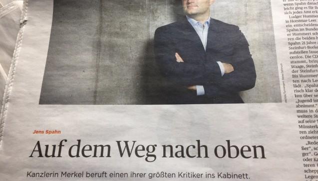 """Das Handelsblatt bezeichnet Spahn gar als den """" größten Kritiker"""" der Kanzlerin. (Foto: jb / DAZ.online)"""