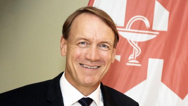 Thomas Preis, Chef des Apothekerverbandes Nordrhein, fordert ein Zusatzhonorar für den Mehraufwand der Apotheker, der sich durch die Nicht-Lieferbarkeit von Rabattarzneimitteln ergibt. (Foto: AVNR)