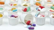 Polymedikation ist bei älteren Patienten keine Seltenheit. (j / Foto: Sherry Young                                          / stock.adobe.com)