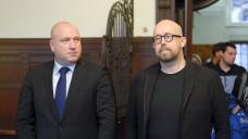 Anwalt Carsten Wegner und Thomas Bellartz halten Polizei und Staatsanwaltschaft Durchstechereien an die Presse vor. (Foto: Külker)